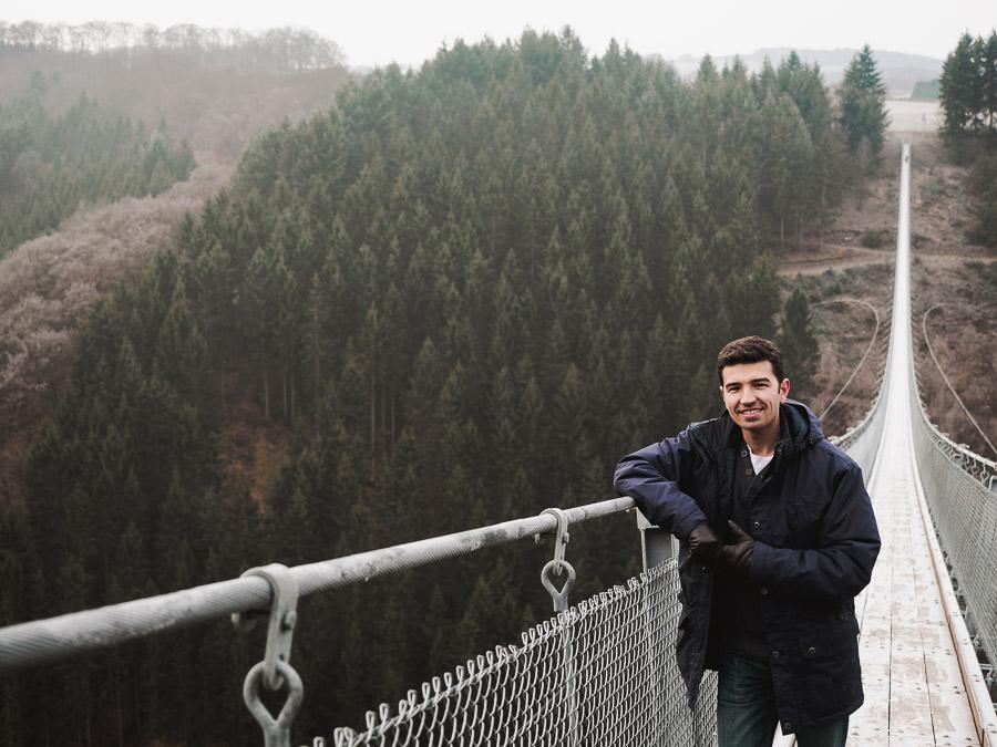 fotograf vladi auf geierlay brücke