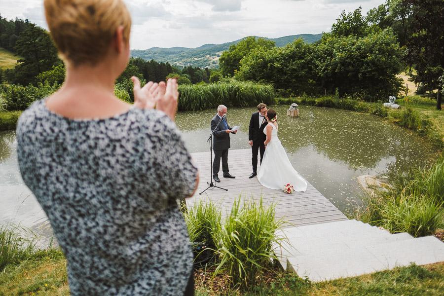 Heiraten im Freien auf einem Hofgut in Hessen