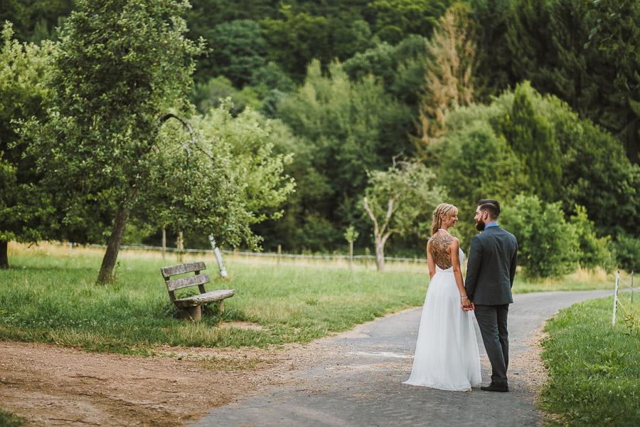 Naturliche Und Rustikale Hochzeit Nahe Wiesbaden Vladi Fotografie