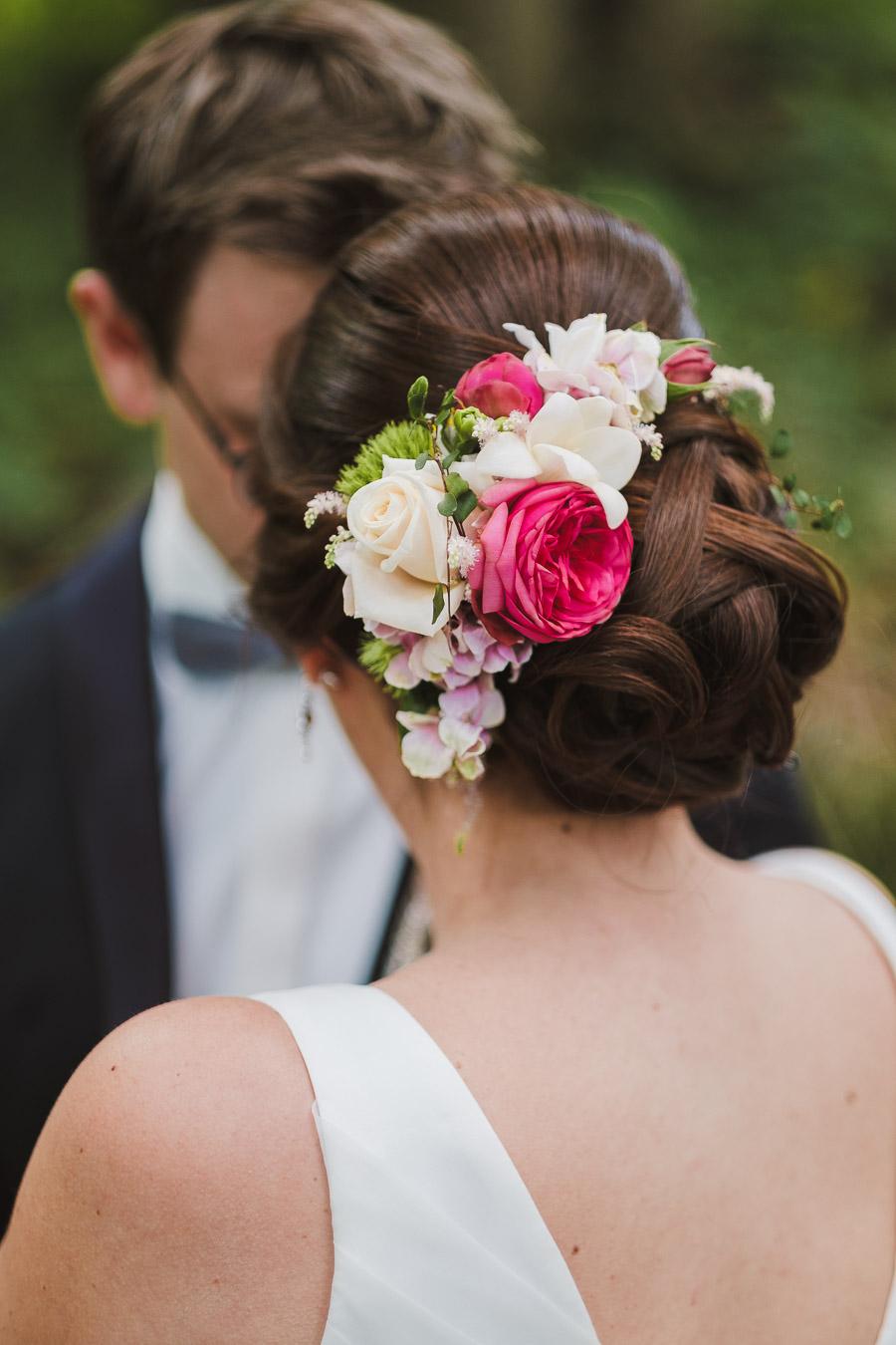 Hochzeitsfrisur Mit Blumen Vladi Fotografie
