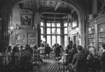 Schlosshotel Kronberg standesamtliche Hochzeit in der Bibliothek von hinten